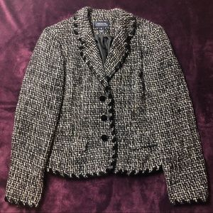 Jones New York Blazer w Velvet Buttons